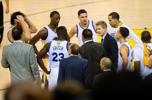 nba_16_warriors-huddle_2048x1363